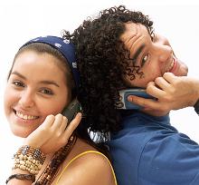 adolescentes ao telemóvel